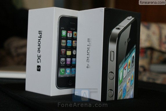 The FoneArena Apple IPhone 4 Unboxing
